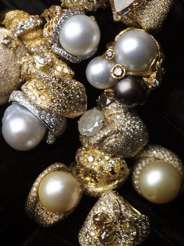 Alta gioielleria italiana - anelli - oro bianco - oro giallo - diamanti - perle
