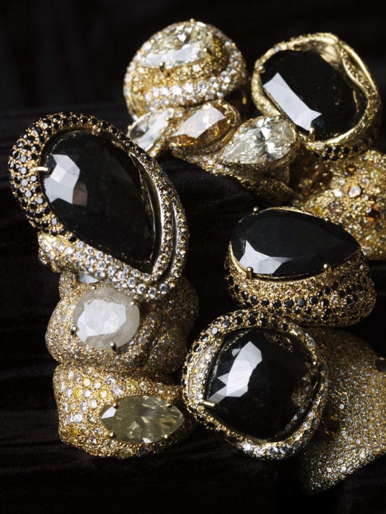 Alta gioielleria Made in Italy - anelli - oro bianco - oro giallo - diamanti - fancy diamonds - pietre preziose