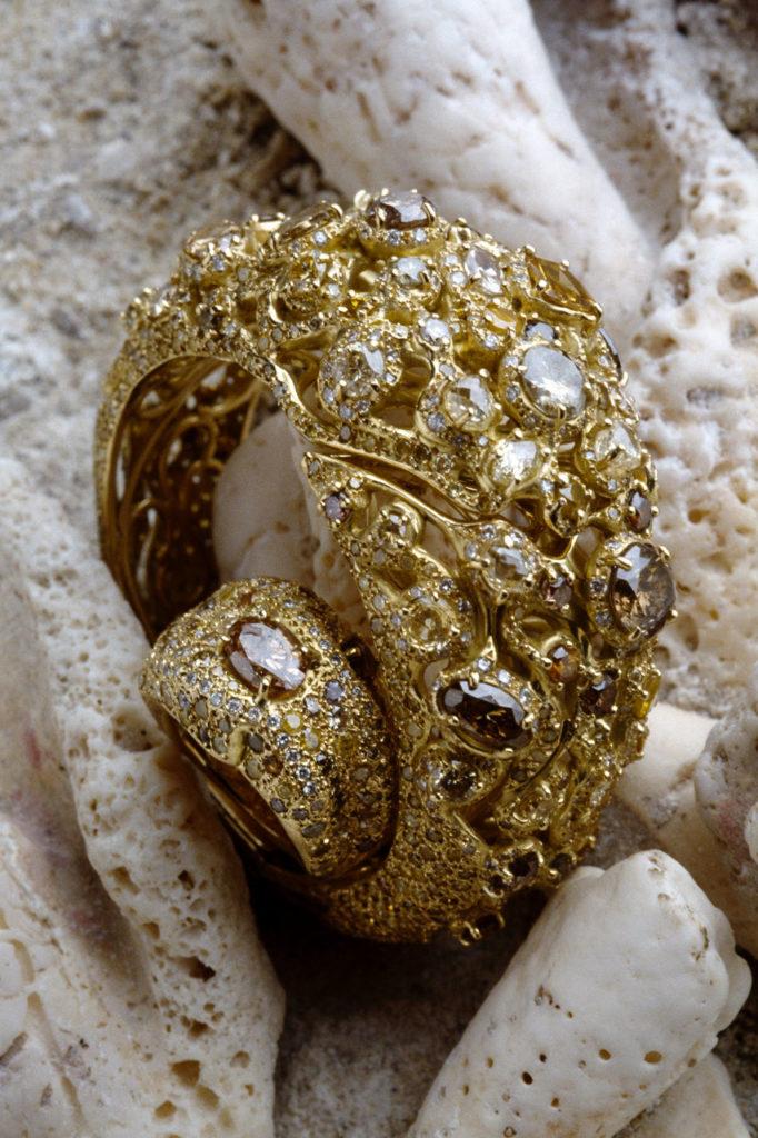 Alta gioielleria italiana - bracciale - anello - oro giallo - diamanti - pietre preziose