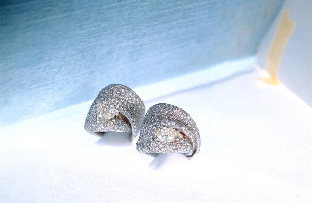 Alta gioielleria Made in Italy - anello- oro bianco - diamanti
