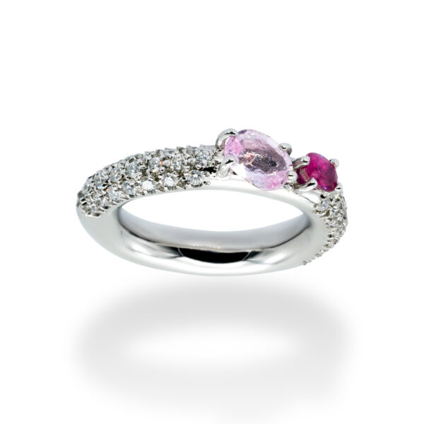 d'Avossa Ring in 18kt white gold with Pink Aquamarine, Pink Sapphire and White Diamonds