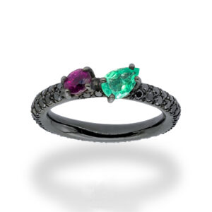 d'Avossa Ring in 18kt Black Gold with Emerald and Purple Sapphire on Black Diamonds Pavé (7)