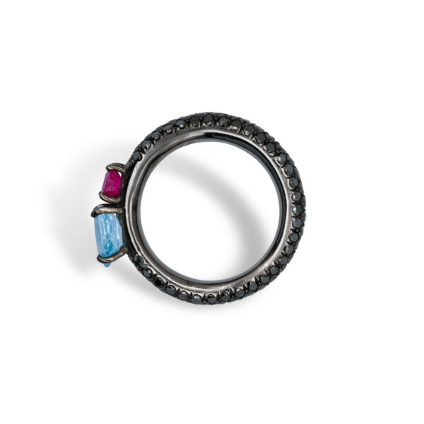 d'Avossa Ring in 18Kt black gold with pavé of black diamonds, central round-cut Blue Topaz and Purple Sapphire. (1)