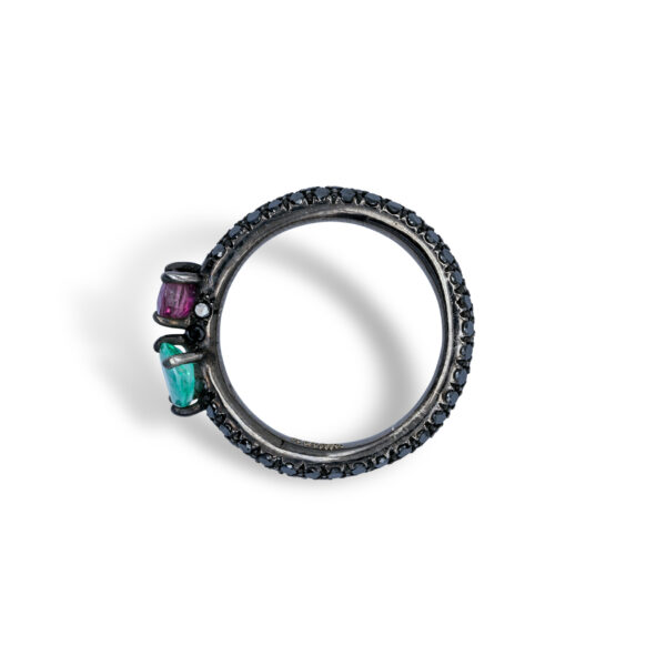 d'Avossa Ring in 18kt Black Gold with Emerald and Purple Sapphire on Black Diamonds Pavé (4)