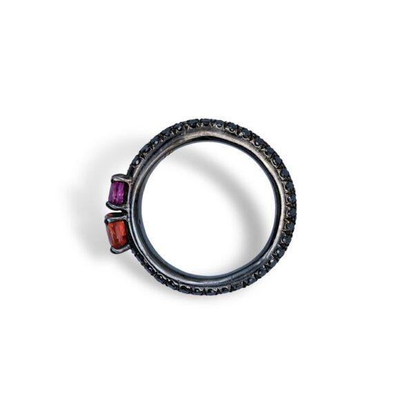 d'Avossa Ring in 18Kt black gold with a pavé of black diamonds, Oval Orange Sapphire and Purple Sapphire. (6)