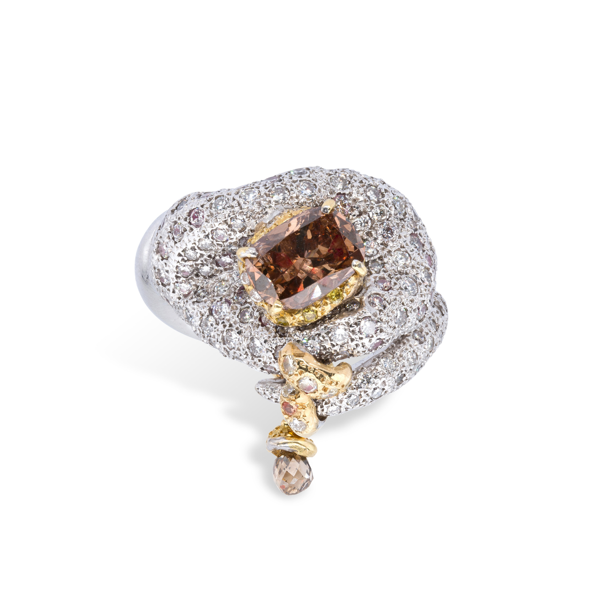 d'Avossa Ring in 18kt white gold with a Cognac Central Diamond and white Diamonds
