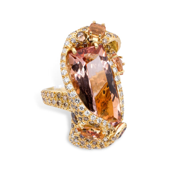 d'Avossa Ring in 18kt yellow gold with a Central Cushion Morganite and Fancy Diamonds