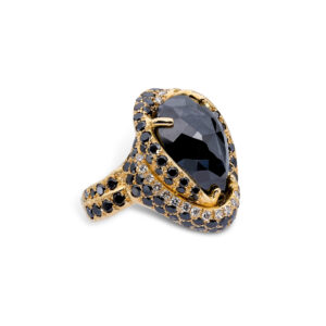 d'Avossa Ring in 18kt yellow gold with Central Pear Shape Black Diamond (5)