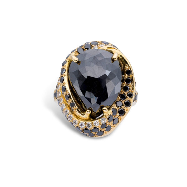 d'Avossa Ring in 18kt yellow gold with Central Pear Shape Black Diamond