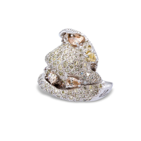 d'Avossa Ring in 18kt white gold with Fancy Natural Diamonds