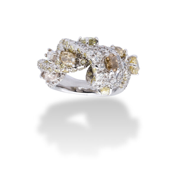 d'Avossa Ring with White and Fancy Natural Diamonds (11)