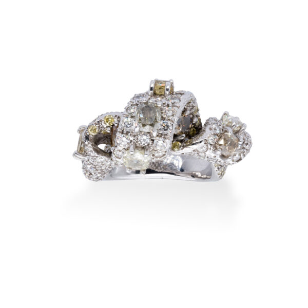 d'Avossa Ring with White and Fancy Natural Diamonds (5)