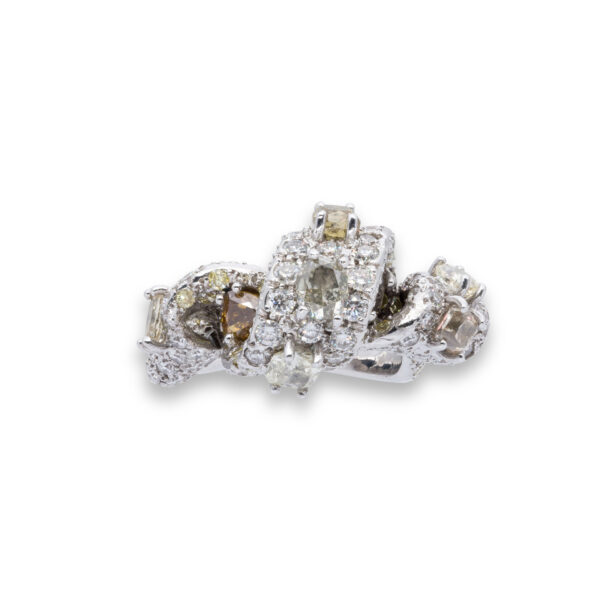 d'Avossa Ring with White and Fancy Natural Diamonds (3)