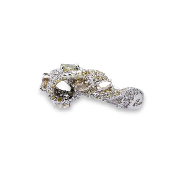 d'Avossa Ring with White and Fancy Natural Diamonds (7)