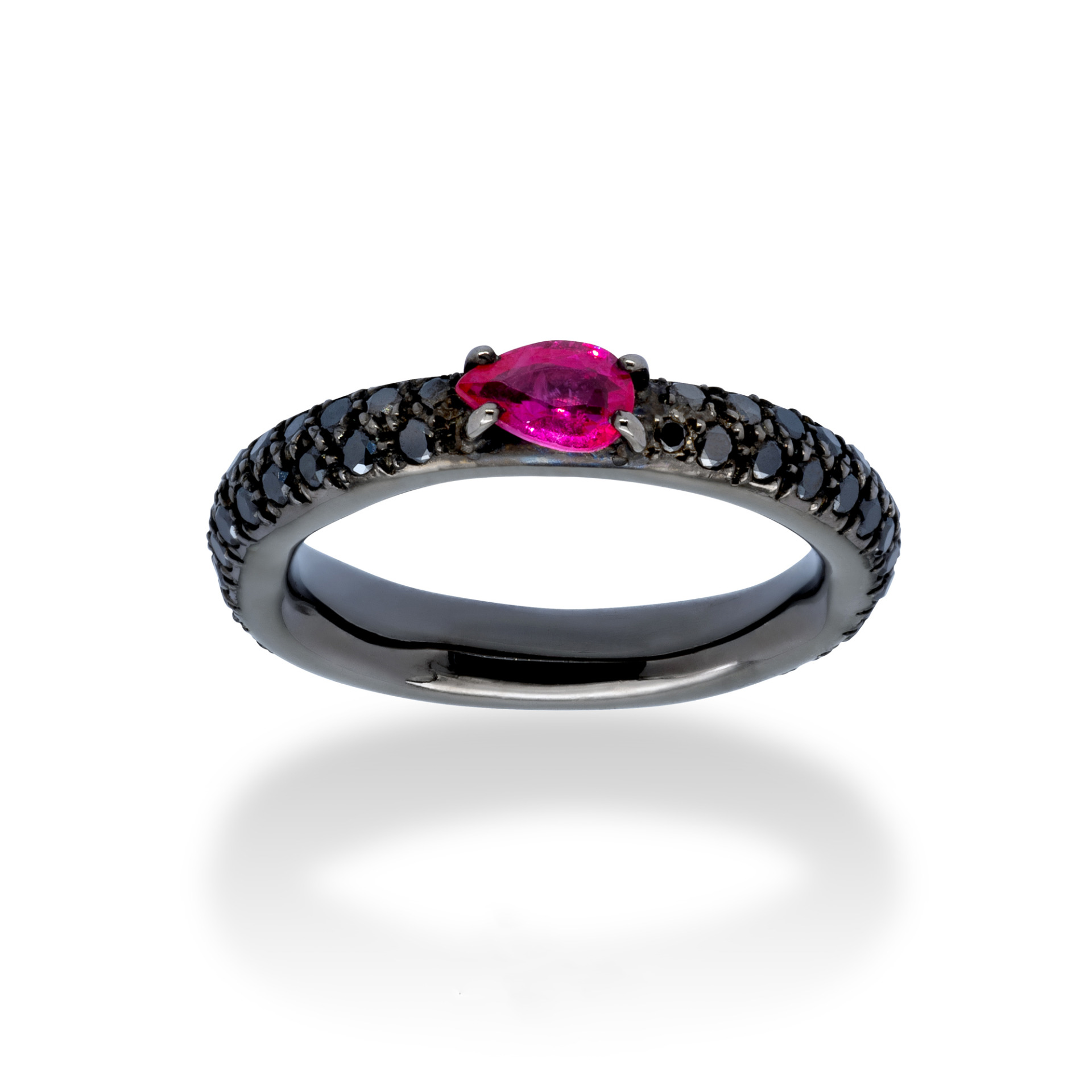 d'Avossa Ring in 18kt black gold with Ruby and Black Diamonds