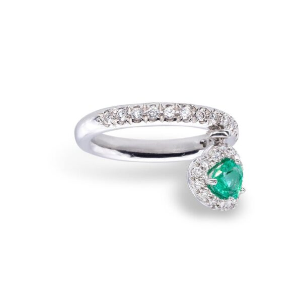 Emerald and white Diamonds d'Avossa Ring