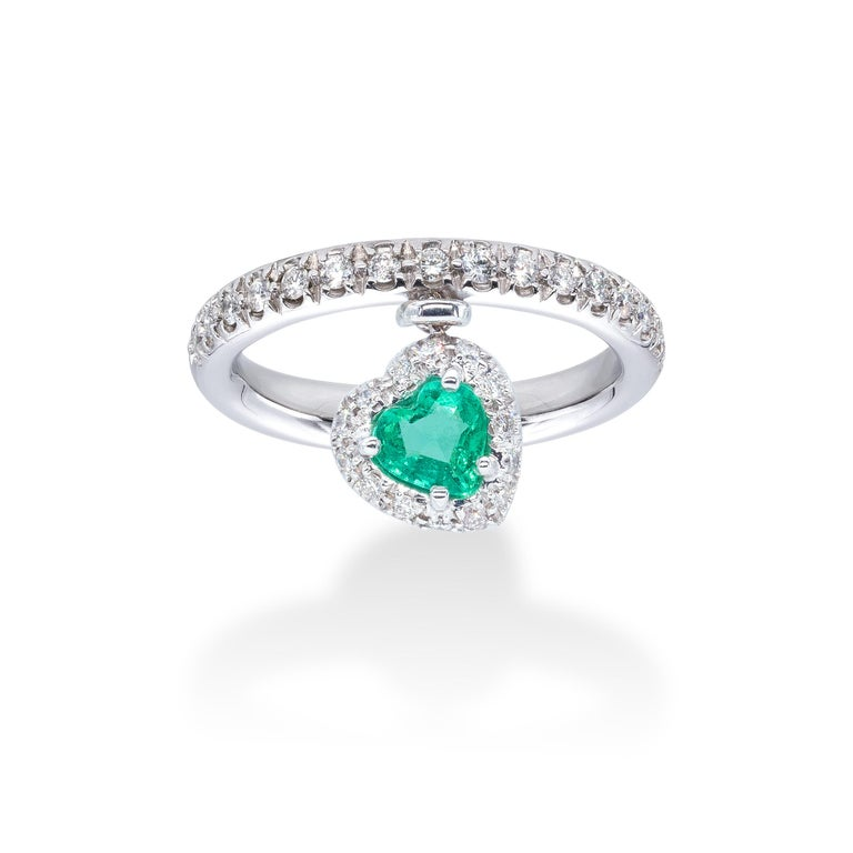 Emerald and white Diamonds d'Avossa Ring