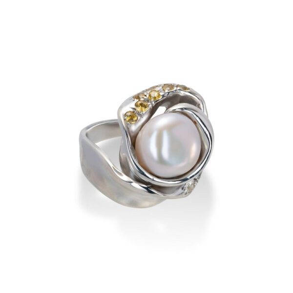 d'Avossa Ring from Rêves d'Argent Collection, in Silver, with Natural Pearl, Yellow and white Sapphires (7)