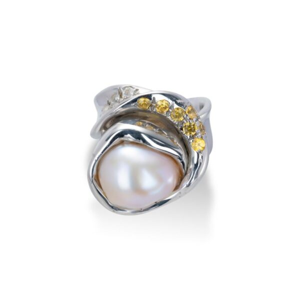 d'Avossa Ring from Rêves d'Argent Collection, in Silver, with Natural Pearl, Yellow and white Sapphires