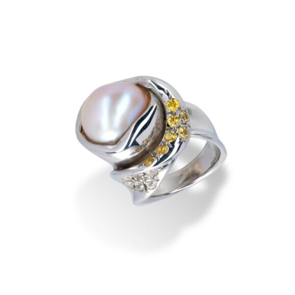 d'Avossa Ring from Rêves d'Argent Collection with Natural Pearl and Sapphires (2)