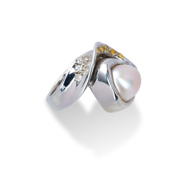 d'Avossa Ring from Rêves d'Argent Collection with Natural Pearl and Sapphires (3)