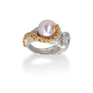 d'Avossa Ring from Rêves d'Argent Collection in Silver with Natural Pearl and Sapphires (2)