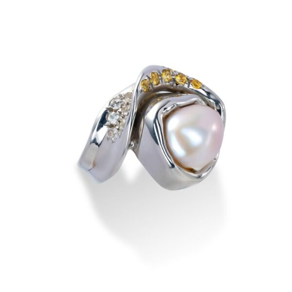 d'Avossa Ring from Rêves d'Argent Collection with Natural Pearl and Sapphires (4)