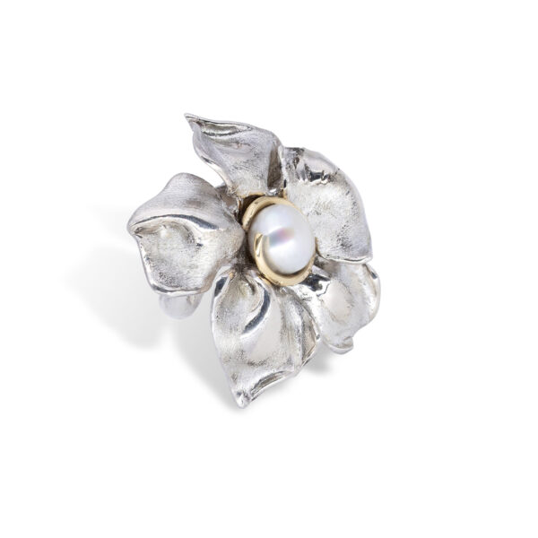 d'Avossa Flower Ring in Silver with Yellow Gold and Pearl