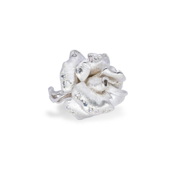 d'Avossa Rose Ring in Silver with white Diamonds