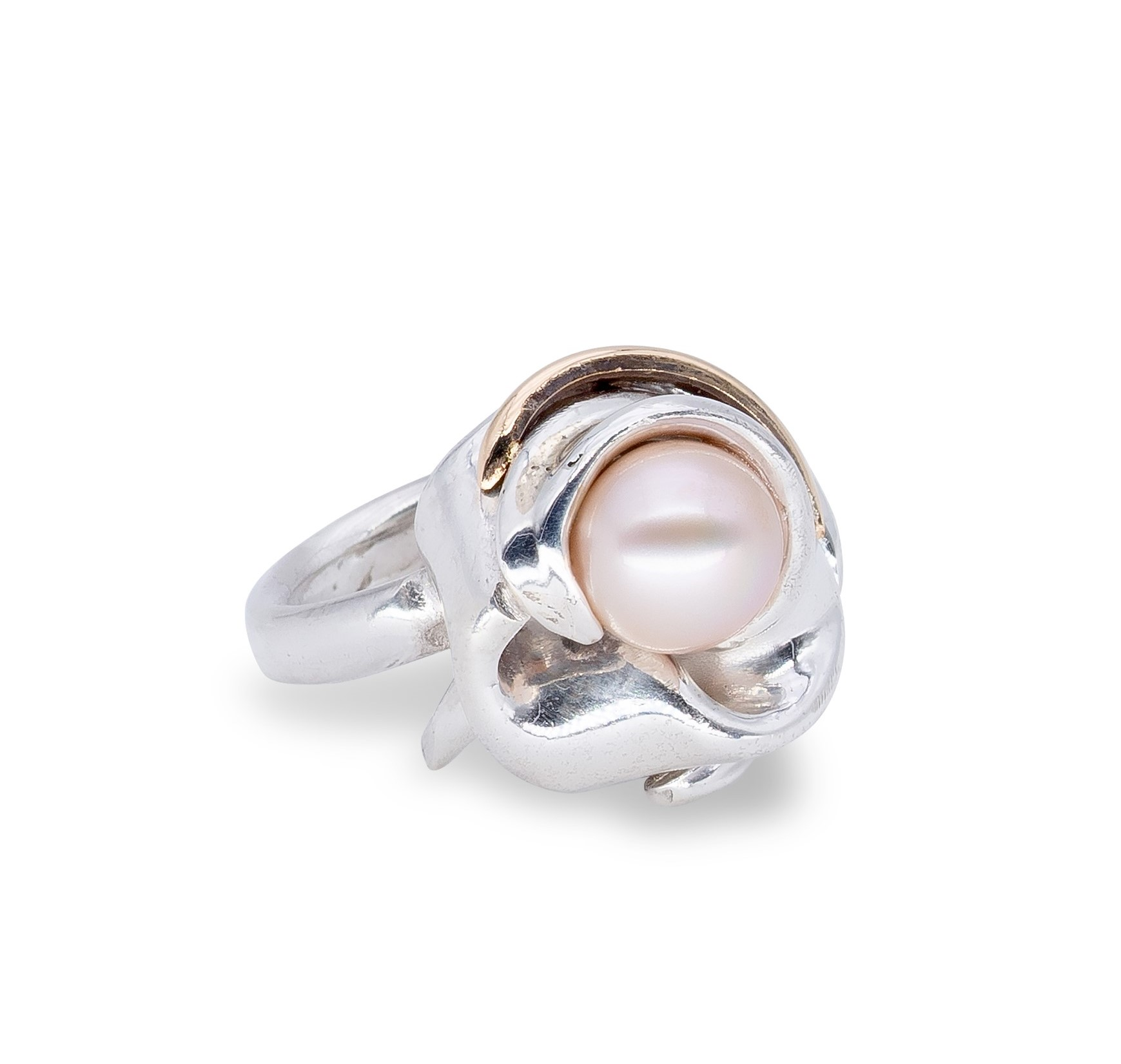 d'Avossa Ring in Silver with Yellow Gold Detail and Freshwater Pearl