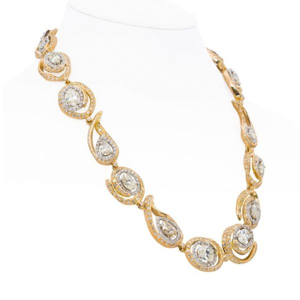 d'Avossa necklace with White and Jonquille Diamonds on 18kt yellow gold