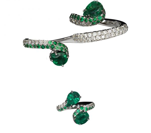 d'Avossa Ring with Emeralds and Diamonds